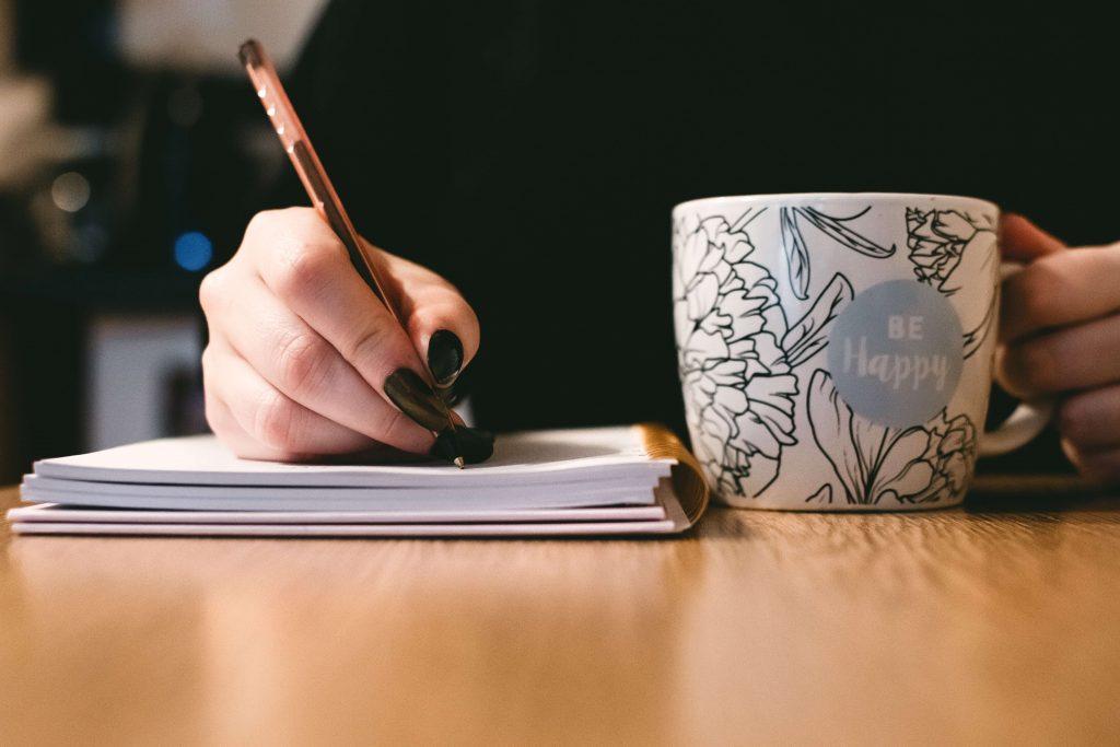 Professionelle Texte schreiben lassen versus eigener Schreibstil